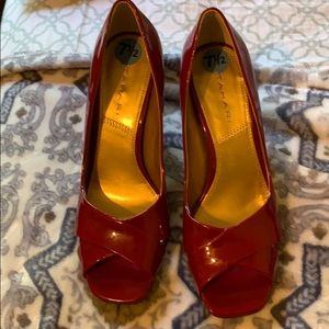 Tahari red heels